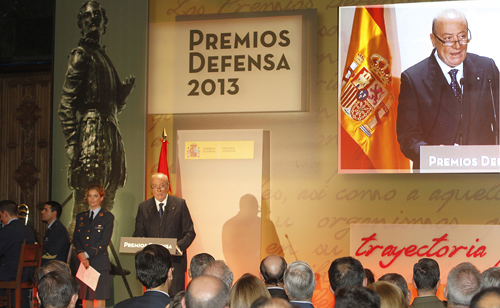 04-12-premios-defensa-2013