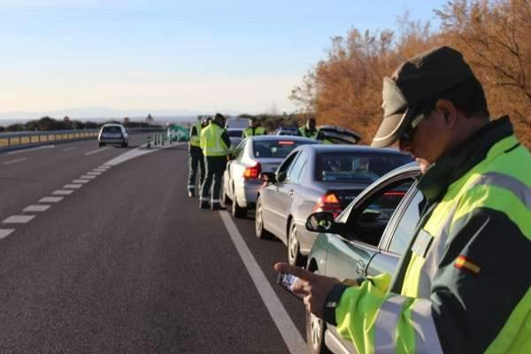 GUARDIA-CIVIL-TRAFICO-CONTROL