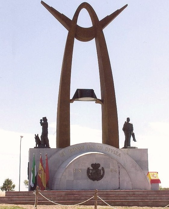 01-MONUMENTO GUARDIA CIVIL 1 2