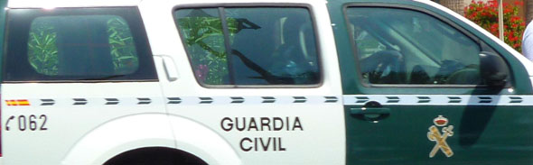 Nissan Pathfinder de la Guardia Civil