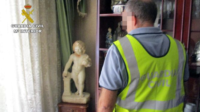 Guardia-Civil-recupera-estatuas-antiguedad