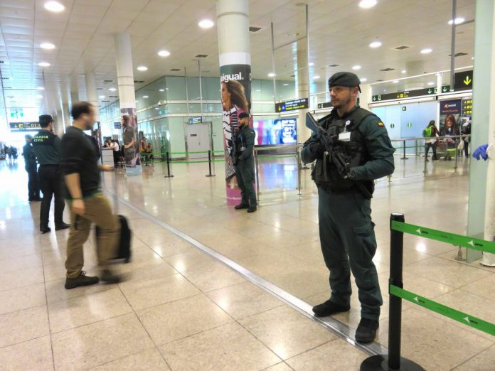 guardia civil aeropuerto prat